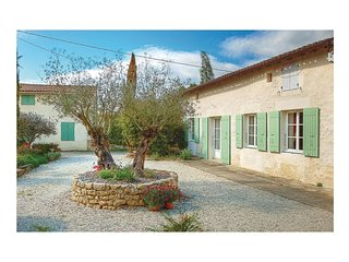 3 bedroom Villa in Rioux-Martin, Nouvelle-Aquitaine, France : ref 5522133