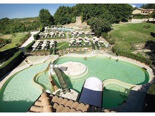 2 bedroom Apartment in Sant'Anna, Tuscany, Italy : ref 5523533
