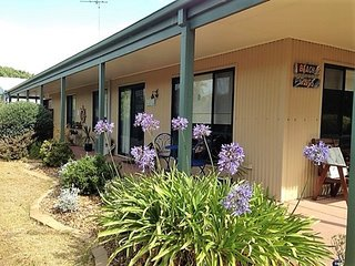Bells By The Beach Pet-friendly Family Holiday House
