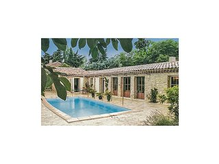 2 bedroom Villa in Cucuron, Provence-Alpes-Cote d'Azur, France : ref 5565741