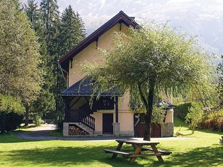 5 bedroom Villa in Les Bossons, Auvergne-Rhone-Alpes, France : ref 5565779