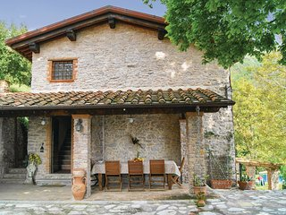 2 bedroom Villa in Metato, Tuscany, Italy : ref 5566944