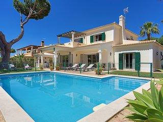 4 bedroom Villa in Cavacos, Faro, Portugal : ref 5364844
