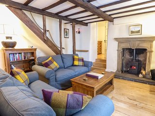 The Cottage on The Square - Cosy country cottage in the Peak District