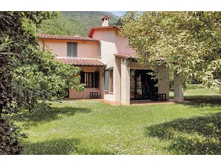 5 bedroom Villa in Valdicastello, Tuscany, Italy : ref 5523675