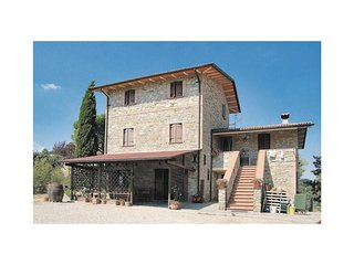 2 bedroom Villa in Piano I e II, Umbria, Italy : ref 5523711
