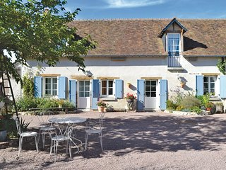 4 bedroom Villa in Saint-Nicolas-des-Motets, Centre, France : ref 5522191