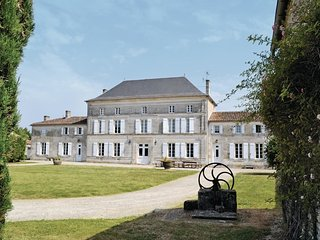 7 bedroom Villa in Sigogne, Nouvelle-Aquitaine, France : ref 5565600