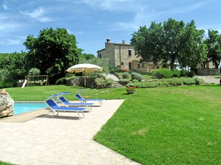 2 bedroom Apartment in Gambassi Terme, Tuscany, Italy : ref 5055275