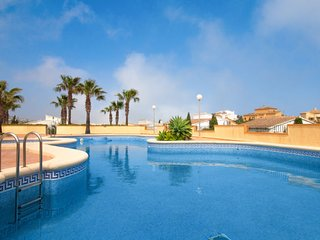 3 bedroom Villa with Air Con, WiFi and Walk to Beach & Shops - 5623928