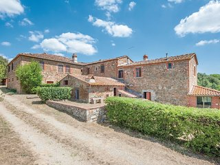 5 bedroom Villa in Molino del Calcione, Tuscany, Italy : ref 5571339