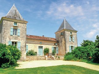 7 bedroom Villa in Bourlens, Nouvelle-Aquitaine, France : ref 5521946