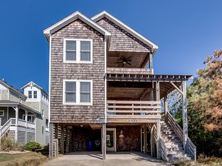 Blue Heron: 5 BR / 4.5 BA five bedroom house in Nags Head, Sleeps 14