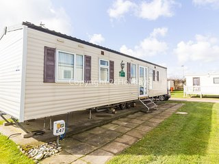 8 Berth Caravan in California Cliffs Holiday Park Ref: 50047 Eagle