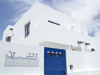 2 bedroom Villa with Pool, WiFi and Walk to Beach & Shops - 5697893
