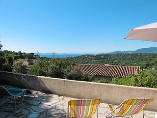 2 bedroom Apartment in La Croix-Valmer, Provence-Alpes-Cote d'Azur, France : ref