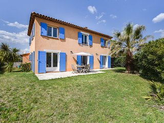 3 bedroom Villa in Saint-Cyr-sur-Mer, France - 5699883