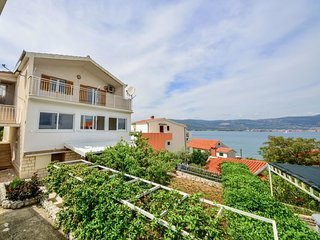 5 bedroom Villa in Arbanija, Splitsko-Dalmatinska Županija, Croatia : ref 555283