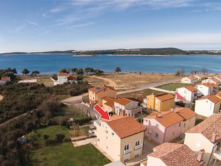 2 bedroom Apartment in Medulin, Istria, Croatia : ref 5520579