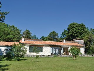 4 bedroom Villa in Sers, Nouvelle-Aquitaine, France : ref 5565590