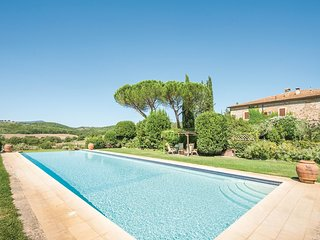 3 bedroom Villa in Paganico, Tuscany, Italy : ref 5523535
