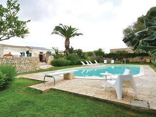 6 bedroom Villa in Casale Savarino, Sicily, Italy - 5523432