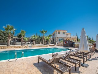 Panorama Luxury Villa, Free Wifi, Private Pool, Amazing Views, Table Tennis, Gym