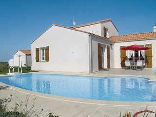 4 bedroom Villa in Bretignolles-sur-Mer, Pays de la Loire, France - 5565814