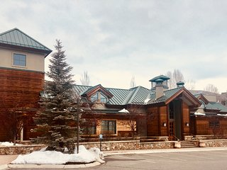 Sun Valley Luxury Home: Elkhorn Inn