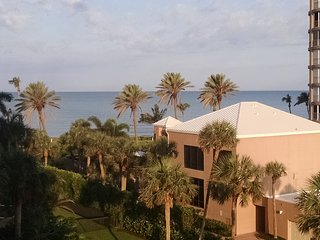 Luxury Beachfront Condo- Gulf Views From Every Room