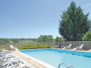 4 bedroom Villa in Nanthiat, Nouvelle-Aquitaine, France : ref 5565348