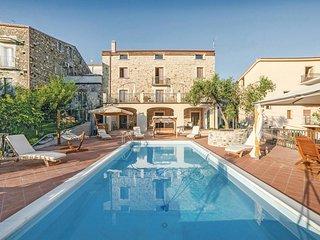 6 bedroom Villa in Vibonati, Campania, Italy : ref 5523308