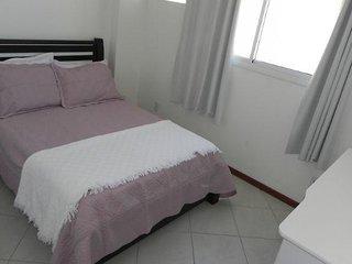 03 quartos com vista parcial do mar, ar-condicionado para até 12 pessoas 3682405