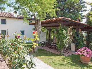 2 bedroom Apartment in Taviano, Tuscany, Italy : ref 5523515