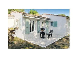 2 bedroom Villa in Les Grenettes, Nouvelle-Aquitaine, France : ref 5522134