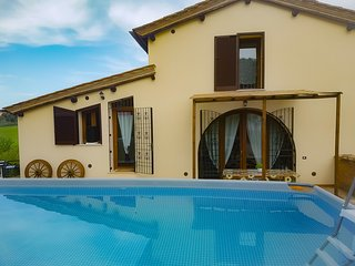 3 bedroom Villa in Le Scotte, Tuscany, Italy : ref 5610366