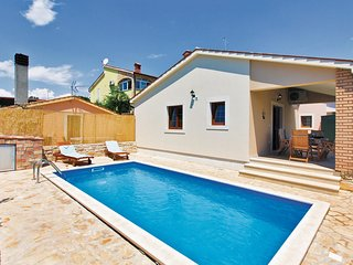 2 bedroom Villa in Ližnjan, Istria, Croatia : ref 5520886