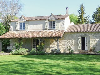 4 bedroom Villa in Loubès-Bernac, Nouvelle-Aquitaine, France : ref 5521952