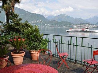 lakeside terrace Lago Maggiore in Gerra Gambarogno
