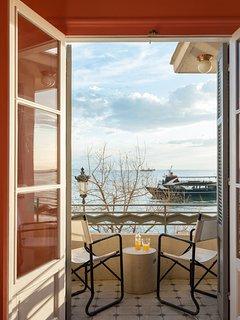 Waterfront Nikis Apartment