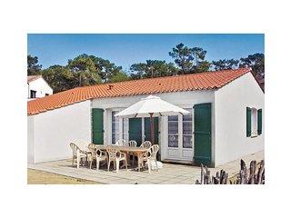 4 bedroom Villa in La Tranche-sur-Mer, Pays de la Loire, France : ref 5565789