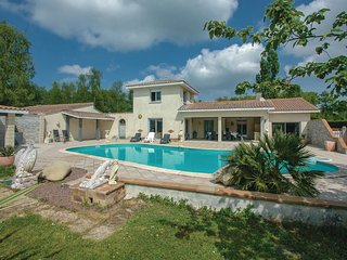 4 bedroom Villa in Saint-Vivien-de-Medoc, Nouvelle-Aquitaine, France : ref 55654