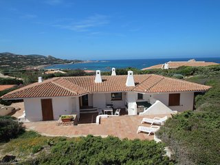 3 bedroom Villa with Walk to Beach & Shops - 5697079