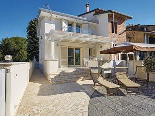 3 bedroom Villa in Torre del Lago Puccini, Tuscany, Italy : ref 5566943