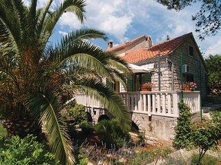 3 bedroom Villa in Splitska, Splitsko-Dalmatinska Zupanija, Croatia : ref 557941