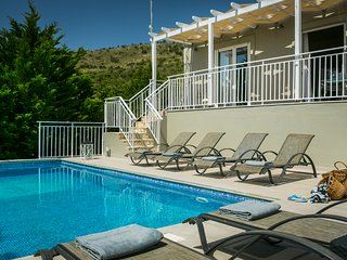 AMAZING VILLA IN SKALA WITH PRIVATE POOL (PETERSONS VILLA 2)