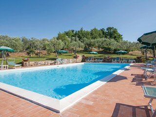 2 bedroom Apartment in Taviano, Tuscany, Italy : ref 5566819