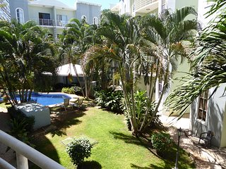 Charming 2 Bedroom 5 Minutes to the Beach