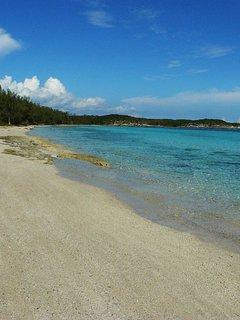 This beach is a 3 minute walk.