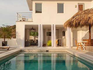 Ultra-Modern Tropical Villa With 180 Degree Ocean Views